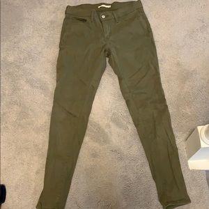 Levi's olive skinny jeans